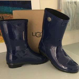 Genuine ☔️ UGG rain boots in sapphire blue!